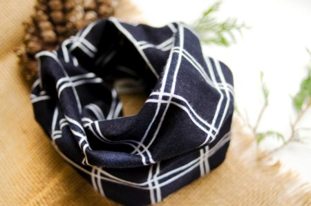 Flannel snap scarf for children